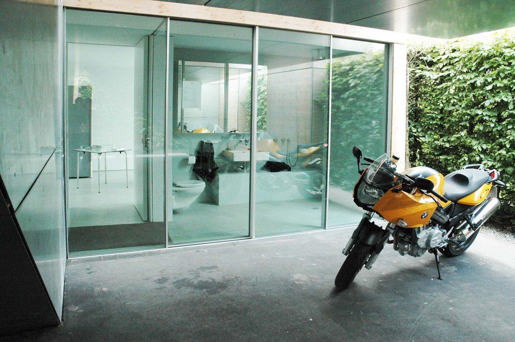 Haus der Gegenwart in München, Außenbereich 2005, Frank Völkel