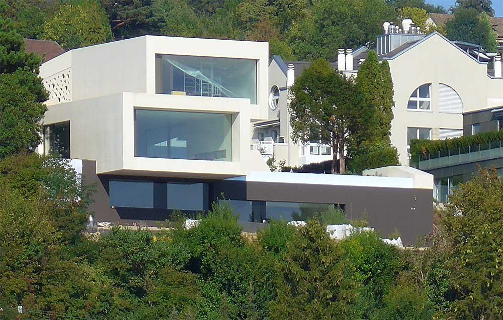 KNX Smart Home und moderne Architektur an einem See in Süddeutschland
