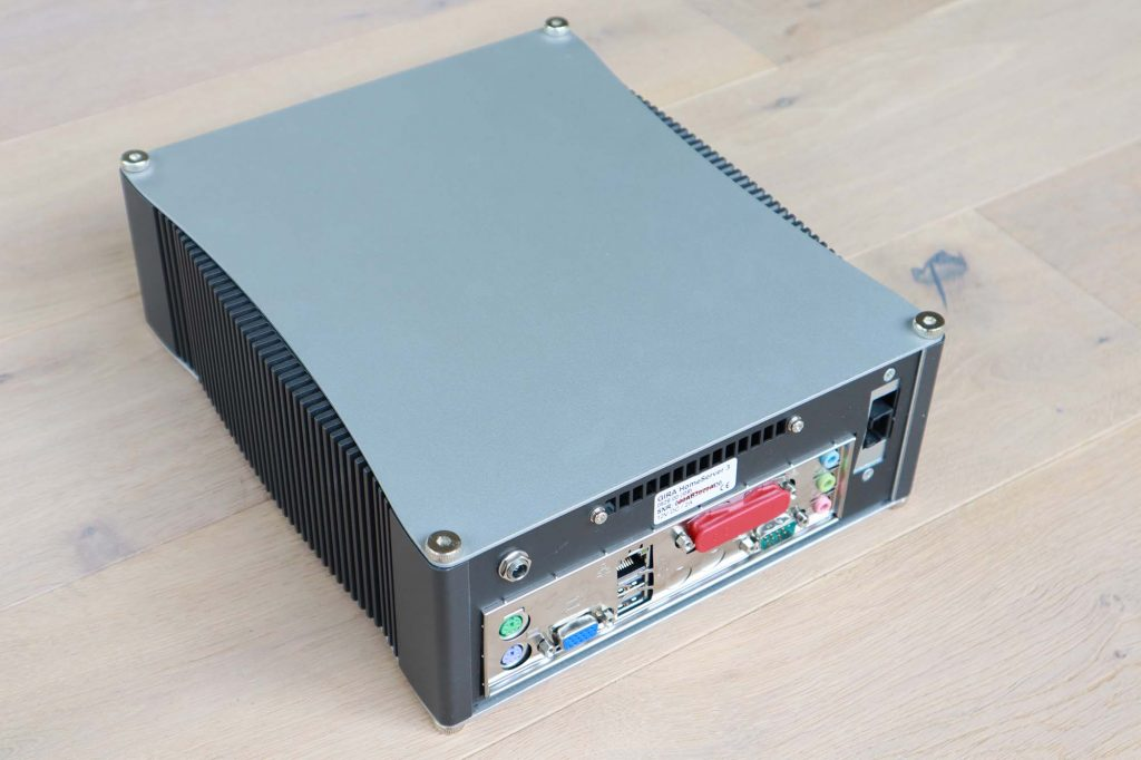 Gira Homeserver 3 Anschlüsse KNX Steuerung